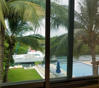 Photo for Waterview from livingroom & swings at wet bar!  2/2-1/2 Penthouse Condo sleeps 6