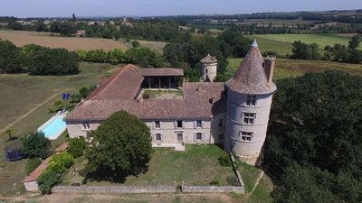 Photo for Gascon sixteenth century castle in the hills Gers