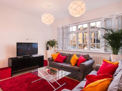 Photo for London House, Chiswick, Luxurious, 3 Large Beds - 4 x Bath - GREAT PLACE TO STAY