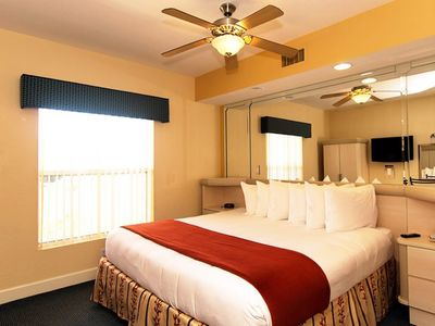Photo for Beautiful 1 Bedroom Timeshare Villa available just a few miles from Disney World