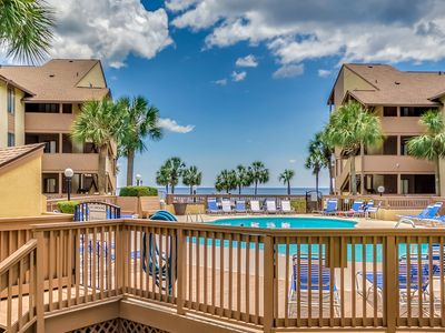 Family Friendly Condo- Beautiful Views of the Pool, Courtyard and Ocean!