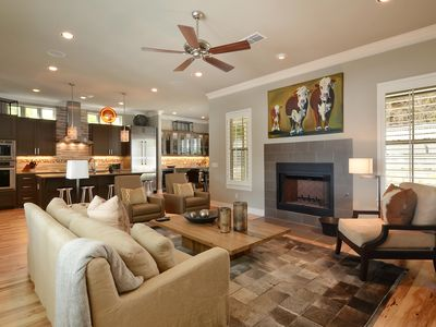 Photo for Clarksville Luxurious home in the heart of Austin