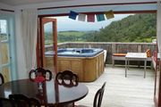 Te Ana Lodge country villa with spa pool