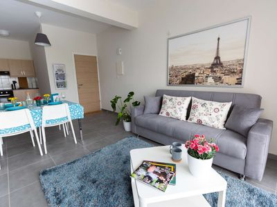 Photo for comfrotable 2 bedroom apartment