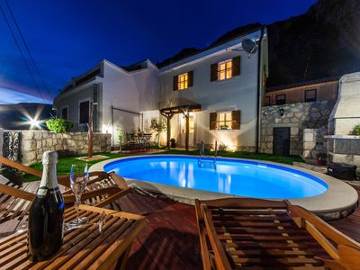 Photo for Gorgeous holiday home with pool and terrace  !