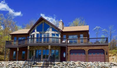 Photo for Resort-Style Lakehouse near Ski Mountains, Waterparks, Casino, Shopping