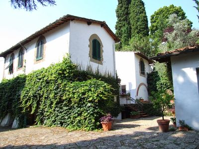 Photo for 6 bedroom Villa, sleeps 12 in Florence with Pool, Air Con and WiFi