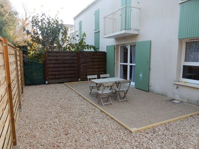 Photo for Far from noise, only 800m from all shops (residence with swimming pool)