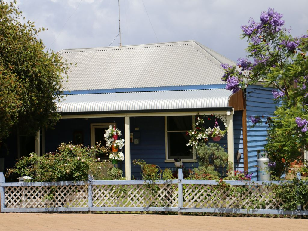 Poppy's Place, Retro Cottage Nannup.