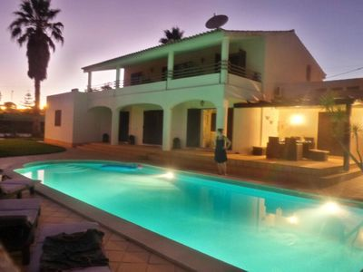 Photo for Spacious villa w/ heated pool, tennis court & hot tub (only 30 min. from Lisbon)