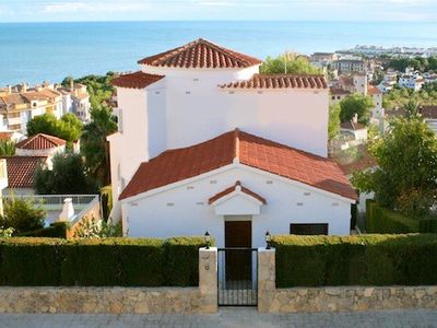 Photo for Large, beautiful detached villa with private pool, garden and close sea views