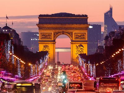 Photo for Ultra Luxury-Champs Elysees Palace For 4