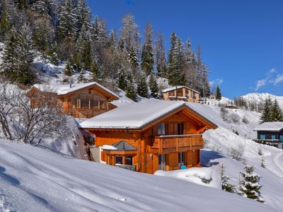 Photo for Chalet Belle Roche - Four Bedroom Chalet, Sleeps 10
