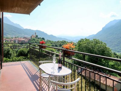 Photo for Apartment Casa Gelsomino (PLZ437) in Porlezza - 5 persons, 3 bedrooms