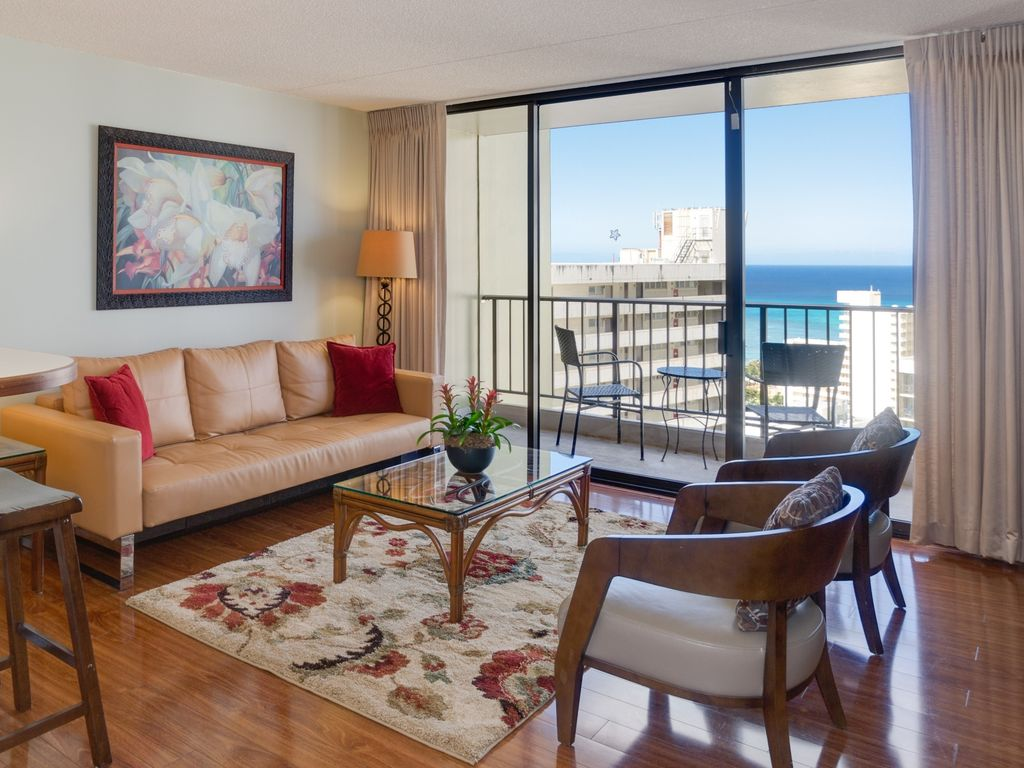 Incredible View Great Location Awesome High Rise Condo Waikiki