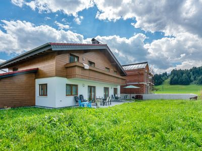 Photo for Modern holiday home with private sauna within walking distance of the centre.