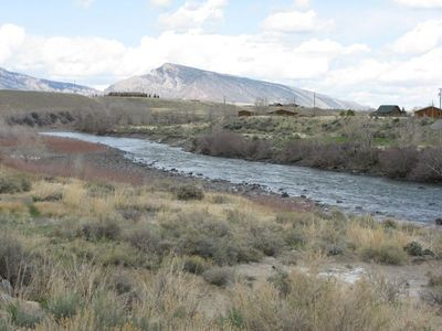 South Fork of the Shoshone River cabin on the right.