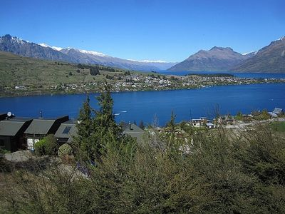 Photo for Fantail on Goldleaf - Queenstown Holiday Home