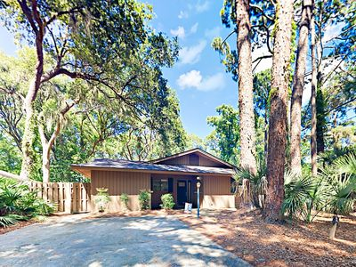 Photo for Tranquil Sea Pines w/ 2 Bedroom Suites & Patio, Near Beach & Harbor Town