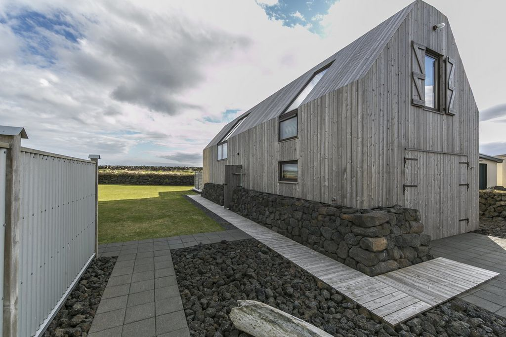 Barn House By The Shore In South Iceland With Hot Tub Stokkseyri