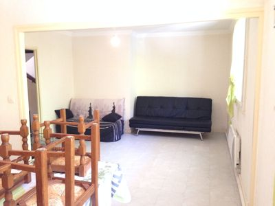 Photo for Large apartment for 4-9 people 5 minutes from the Place de la Comédie