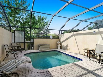 Photo for 3 beds - 7 minutes from Disney - Water park