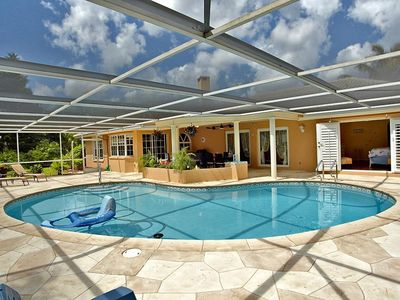 Photo for Family friendly villa in a gated golf community