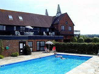 E8696, (Capel) - Self-catering apartment with Garden in