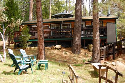 Charming newer cabin in Wawona and just a short stroll to the Merced River