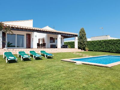 Photo for 3 bedroom Villa, sleeps 6 in Punta Prima with Pool, Air Con and WiFi