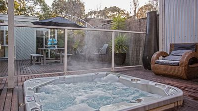 Photo for Phillip Island - Great location close to Cowes front Beach - Contemporary