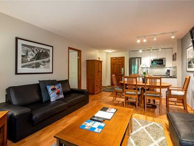 SKI IN/SKI OUT! Pool, Hot Tub & Gym! Recently Renovated July 2019