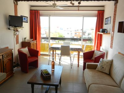 Photo for APARTMENT (40m2) ON THE GROUND FLOOR PARKING, GARAGE, BBQ, WIFI, CENTER PORT