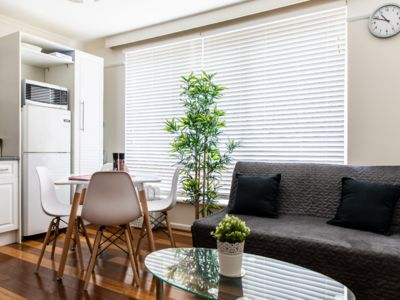 Photo for Contemporary Light Filled Boutique 2B Chapel St Apartment, Free Wi-fi, Carpark