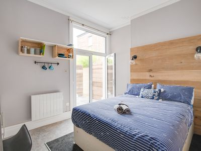 Photo for One Bedroom Apartment with en-suite