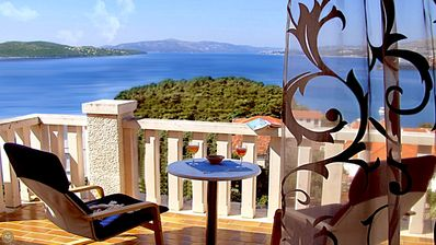 Photo for Apartment in Trogir with Seaview, Terrace, Air condition, WIFI (4655-3)