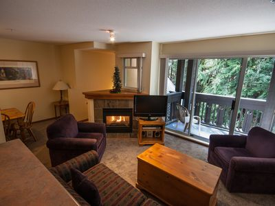 Photo for Stoney Creek Lagoons 32 - Conveniently located, private hot tub, free parking