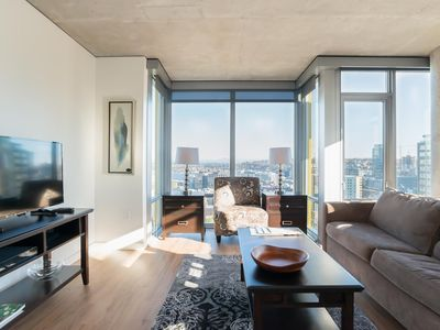 Photo for Right in Downtown- Perfect City View! Walk to everything!