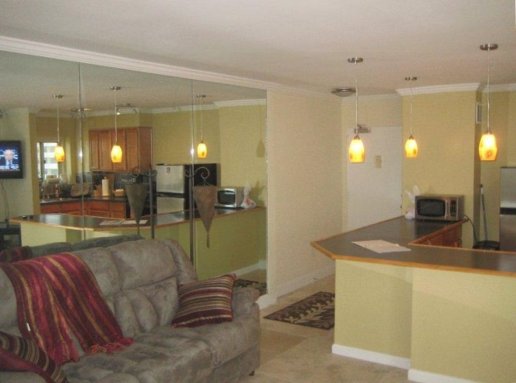 $99 Specials, 18th Floor, Peachtree Towers, Excellent Reviews