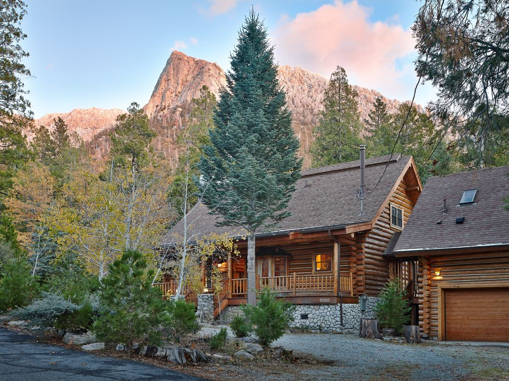 Custom log cabin with breathtaking rock view nature for Log cabins in big bear