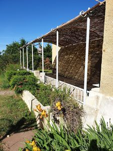 Photo for Maisonette in gde property hill 2 ch + conv. Owner's pool access