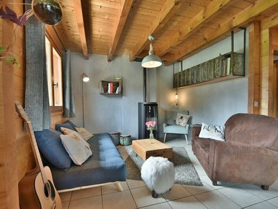 Photo for Large luxury chalet for 8-10 with hot tub  et  big garden!