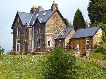 Large detached Victorian stone property with stunning views sleeps 6 to 10*