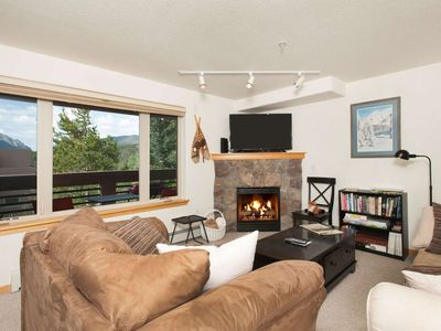 Photo for Beautiful King Master-Minutes To Breckenridge/Keystone/All Skiing - Indoor & Outdoor HOT TUBS /Views