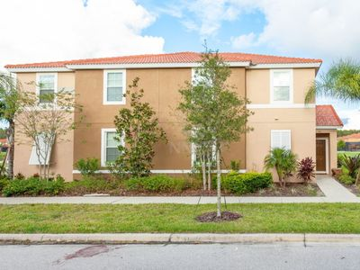 Photo for 4 bedroom Vacation Home Holiday Rental near Orlando, Kissimee, and Disney!