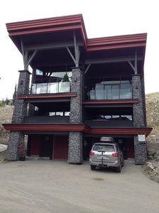 Photo for Beautiful Modern Family Chalet, Hot Tub, Close To Happy Valley