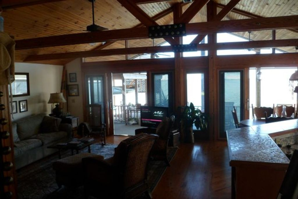 Romantic Cottage on the lake in downtown Mt... - VRBO