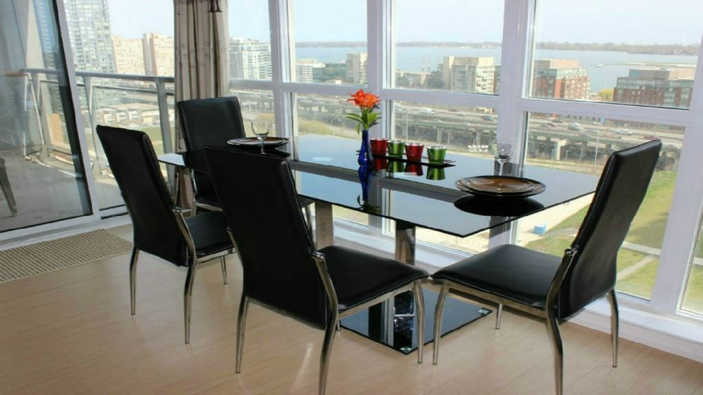 19th Floor-Newly Furnished! Downtown/ Lakeshore Amazing View ,Free parking/WiFi
