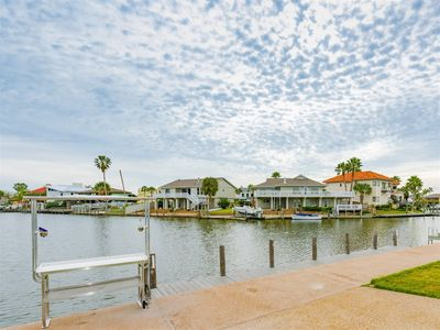 Photo for Great water front family home in Key Allegro with a boat dock behind the house!