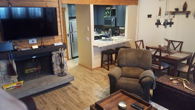 Photo for Newly Remodeled 2/2 Mountain Retreat, sleeps 6.